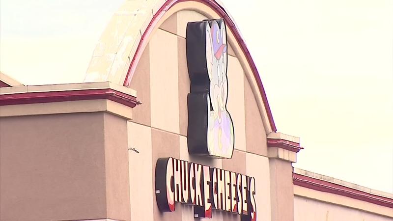 Community fights adult bookstore opening near Chuck E. Cheese