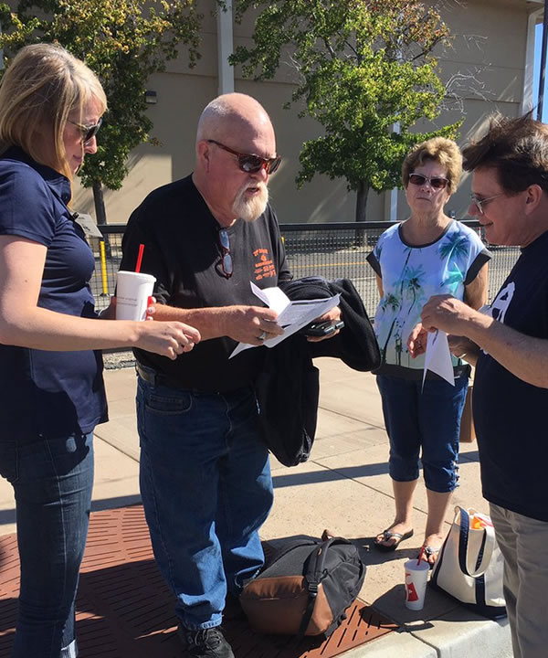 <div class='meta'><div class='origin-logo' data-origin='none'></div><span class='caption-text' data-credit='KGO-TV'>7 On Your Side's Michael Finney answered consumer questions at Fremont Street Eats in Fremont, Calif. on Friday, September 23, 2016.</span></div>