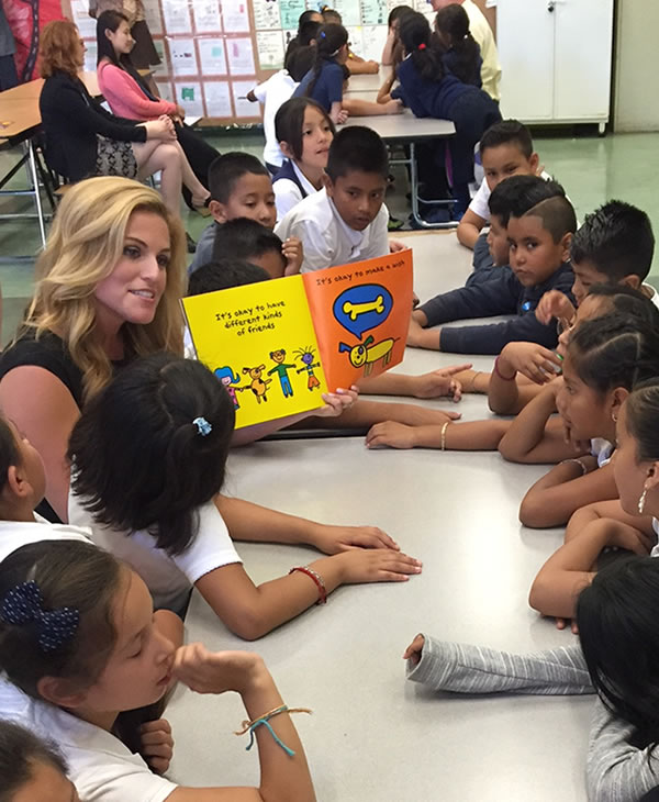<div class='meta'><div class='origin-logo' data-origin='none'></div><span class='caption-text' data-credit='KGO-TV'>ABC7 News traffic reporter Alexis Smith reads to a group of second and third graders at Bryant Elementary School in San Francisco on Tuesday, September 27, 2016.</span></div>