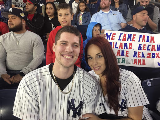 Video Baseball Fan Proposing To Girlfriend Loses Ring Abc7