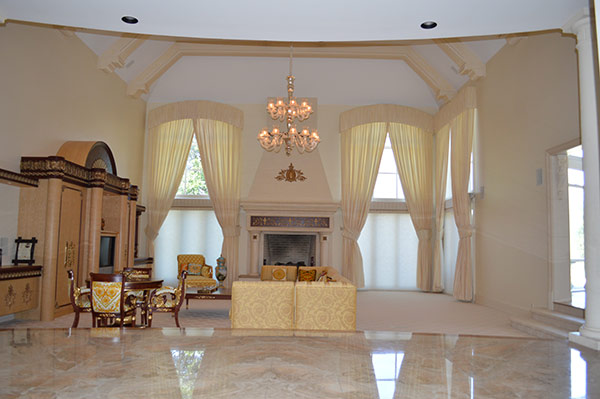 """<div class=""""meta image-caption""""><div class=""""origin-logo origin-image none""""><span>none</span></div><span class=""""caption-text"""">Pictured: The property at at 3900 Buck Road in Huntingdon Valley, Pa.</span></div>"""