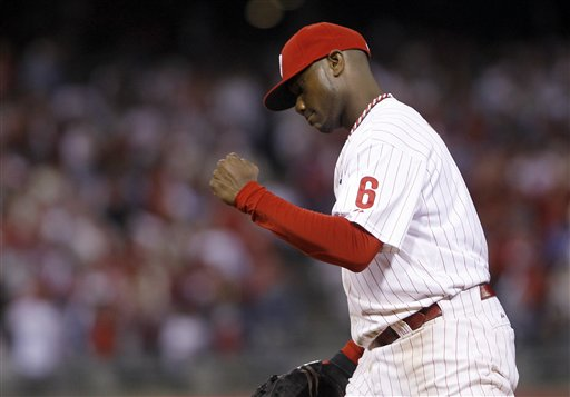 <div class='meta'><div class='origin-logo' data-origin='AP'></div><span class='caption-text' data-credit='AP Photo/Matt Rourke'>Philadelphia Phillies' Ryan Howard (6) pumps his fist after their 11-6 win in Game 1 of baseball's National League division series against the St. Louis Cardinals, Oct. 1, 2011.</span></div>