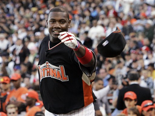 "<div class=""meta image-caption""><div class=""origin-logo origin-image ap""><span>AP</span></div><span class=""caption-text"">Defending Home Run Derby champion, Ryan Howard throws his hat to the sidelines during the All-Star Home Run Baseball Derby in San Francisco, Monday, July 9, 2007. (AP Photo/ Jeff Chiu)</span></div>"