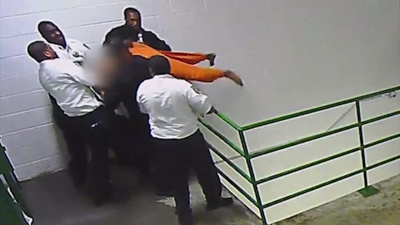 Harris County jail officers stop suicide attempt