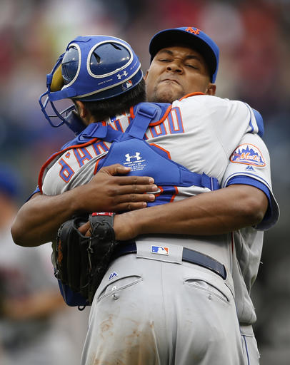 "<div class=""meta image-caption""><div class=""origin-logo origin-image ap""><span>AP</span></div><span class=""caption-text"">New York Mets relief pitcher Jeurys Familia, right, embraces catcher Travis d'Arnaud. (AP)</span></div>"