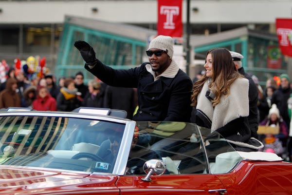 "<div class=""meta image-caption""><div class=""origin-logo origin-image ap""><span>AP</span></div><span class=""caption-text"">Philadelphia Phillies first baseman Ryan Howard, left, and his wife Krystal Howard ride in a convertible during the 94th annual Thanksgiving Day Parade, Thursday, Nov. 28, 2013. (AP Photo/ Joseph Kaczmarek)</span></div>"
