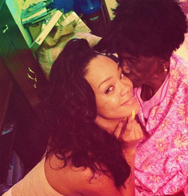 """<div class=""""meta image-caption""""><div class=""""origin-logo origin-image """"><span></span></div><span class=""""caption-text"""">Rihanna posted this 2012 image of herself and her grandmother, shortly after Dolly had passed away. (@rihanna / Twitter)</span></div>"""