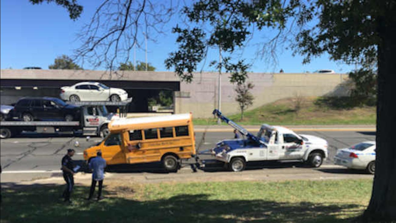 School bus overturns on Cross Bronx Expressway | abc7ny com
