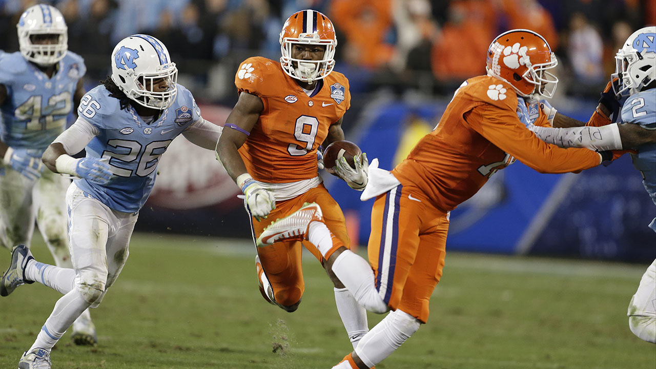 Clemson's Wayne Gallman runs against UNC during the ACC championship game in Charlotte in 2015.