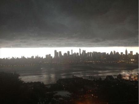 "<div class=""meta image-caption""><div class=""origin-logo origin-image ""><span></span></div><span class=""caption-text"">Severe thunderstorm photo taken of the Hudson River in West New York, NJ. (Sherri Balassone)</span></div>"