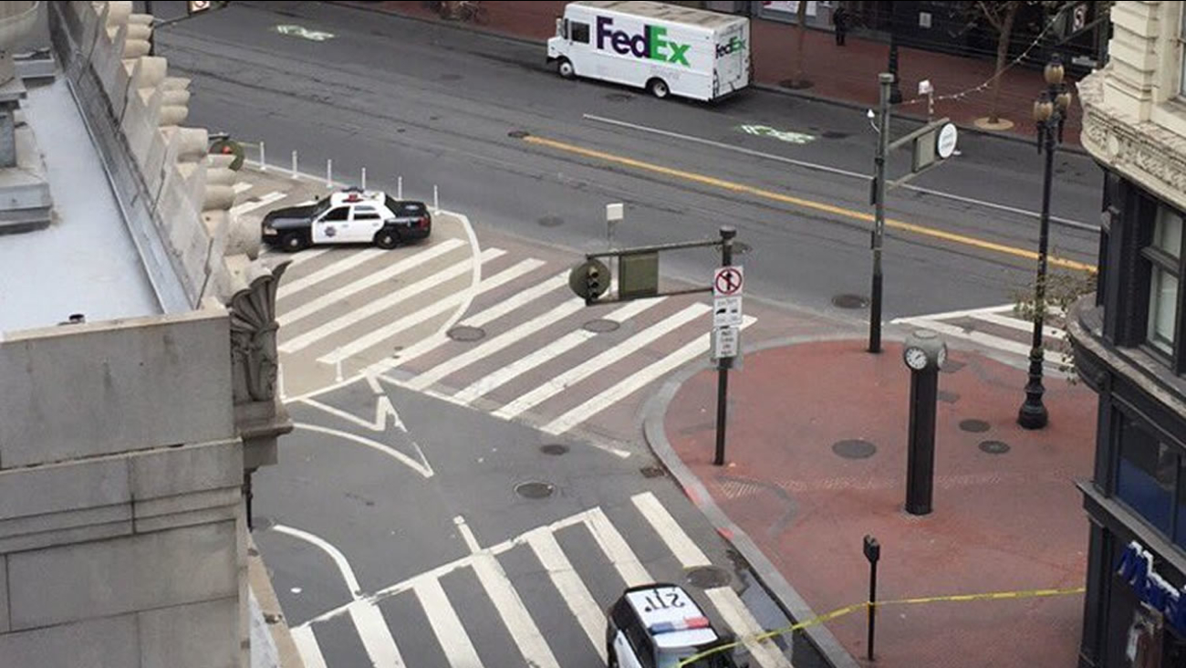 Streets were closed in downtown San Francisco on Wednesday, Oct. 12, 2016 as police investigated a suspicious package.