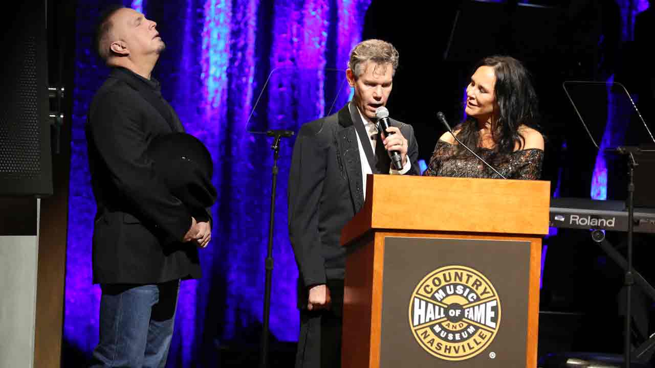 "Randy Travis sings ""Amazing Grace"" at the Country Music Hall of Fame Medallion Ceremony at the Country Music Hall of Fame and Museum on Sunday, October 16, 2016."