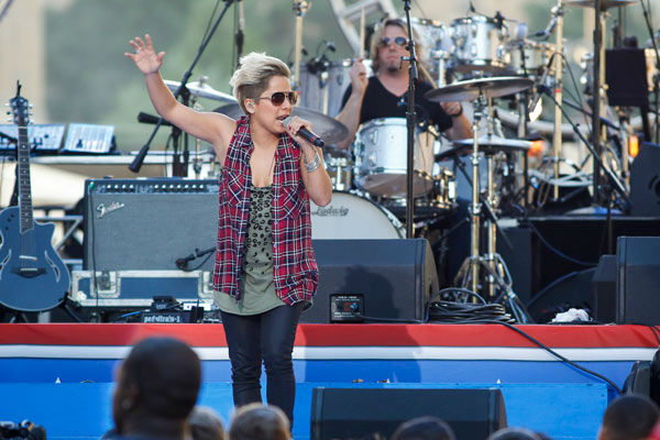 "<div class=""meta image-caption""><div class=""origin-logo origin-image ""><span></span></div><span class=""caption-text"">Vicci Martinez performs at the Philly 4th of July Jam in Philadelphia on Friday, July 4, 2014. (Photo/Mark Stehle)</span></div>"