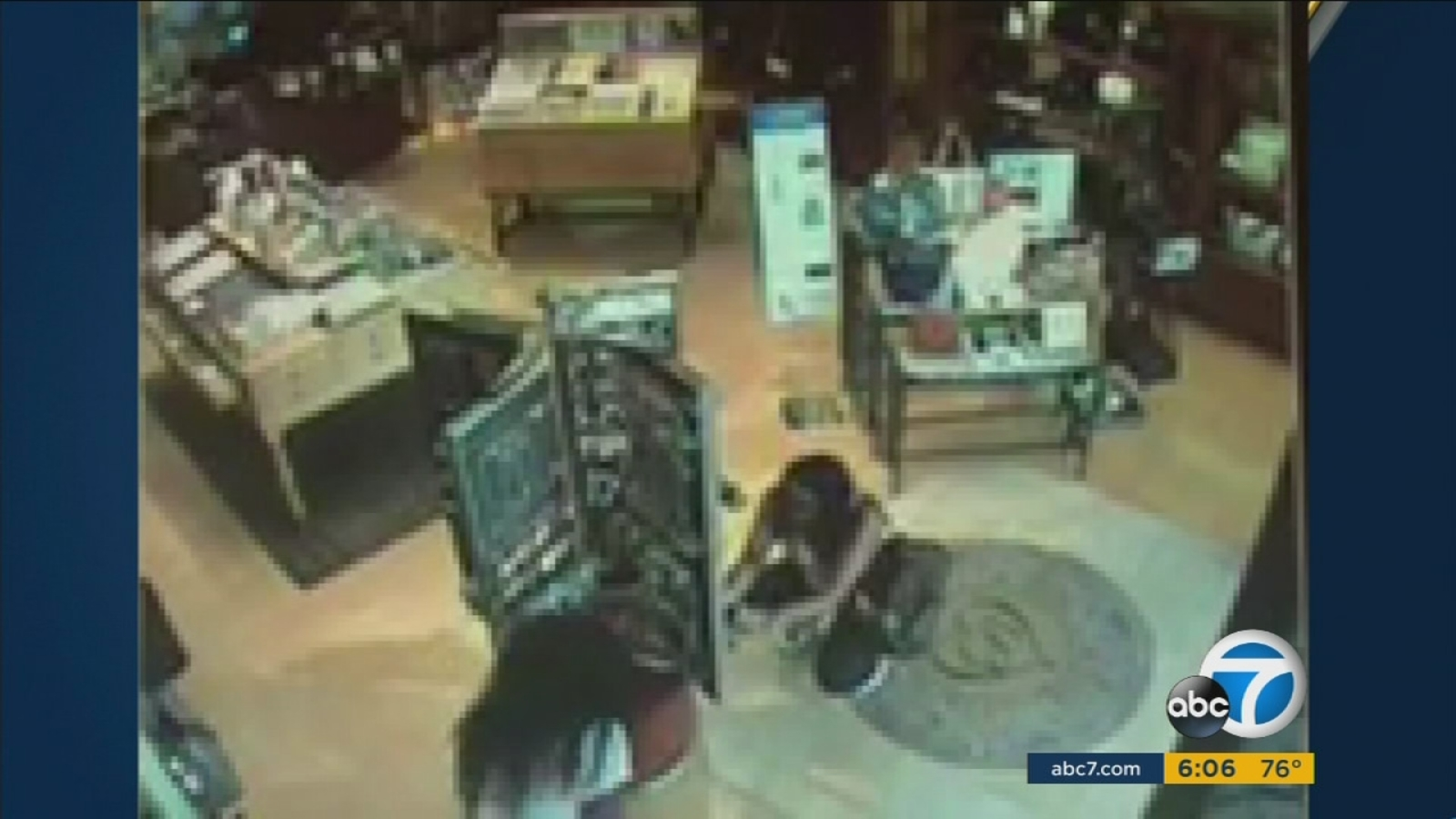 Police Seek Public S Help Finding Irvine Jewelry Theft Suspects Abc7 Los Angeles