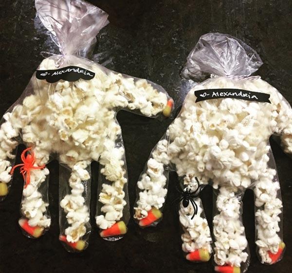 Popcorn hands Snack