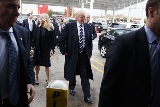 """<div class=""""meta image-caption""""><div class=""""origin-logo origin-image ap""""><span>AP</span></div><span class=""""caption-text"""">Republican presidential candidate Donald Trump stops at a Wawa gas station, Tuesday, Nov. 1, 2016, in King of Prussia, Pa. (AP Photo/ Evan Vucci)</span></div>"""