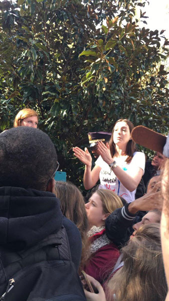 "<div class=""meta image-caption""><div class=""origin-logo origin-image none""><span>none</span></div><span class=""caption-text"">Anne Hathaway stumps for Hillary Clinton at Temple University. (Twitter / Melissa)</span></div>"