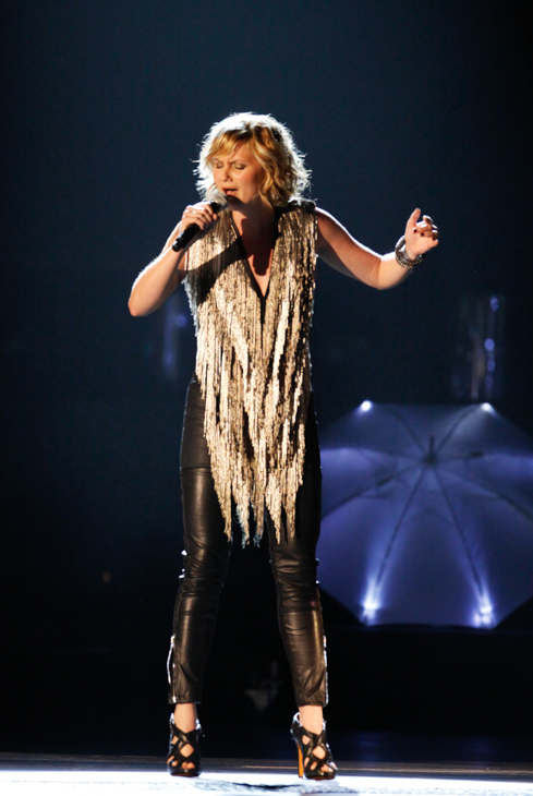 "<div class=""meta image-caption""><div class=""origin-logo origin-image none""><span>none</span></div><span class=""caption-text"">Jennifer Nettles of the band Sugarland performs during the 42nd Annual CMA Awards show on Wednesday Nov. 12, 2008 in Nashville, Tenn. (Darron Cummings/AP Photo)</span></div>"