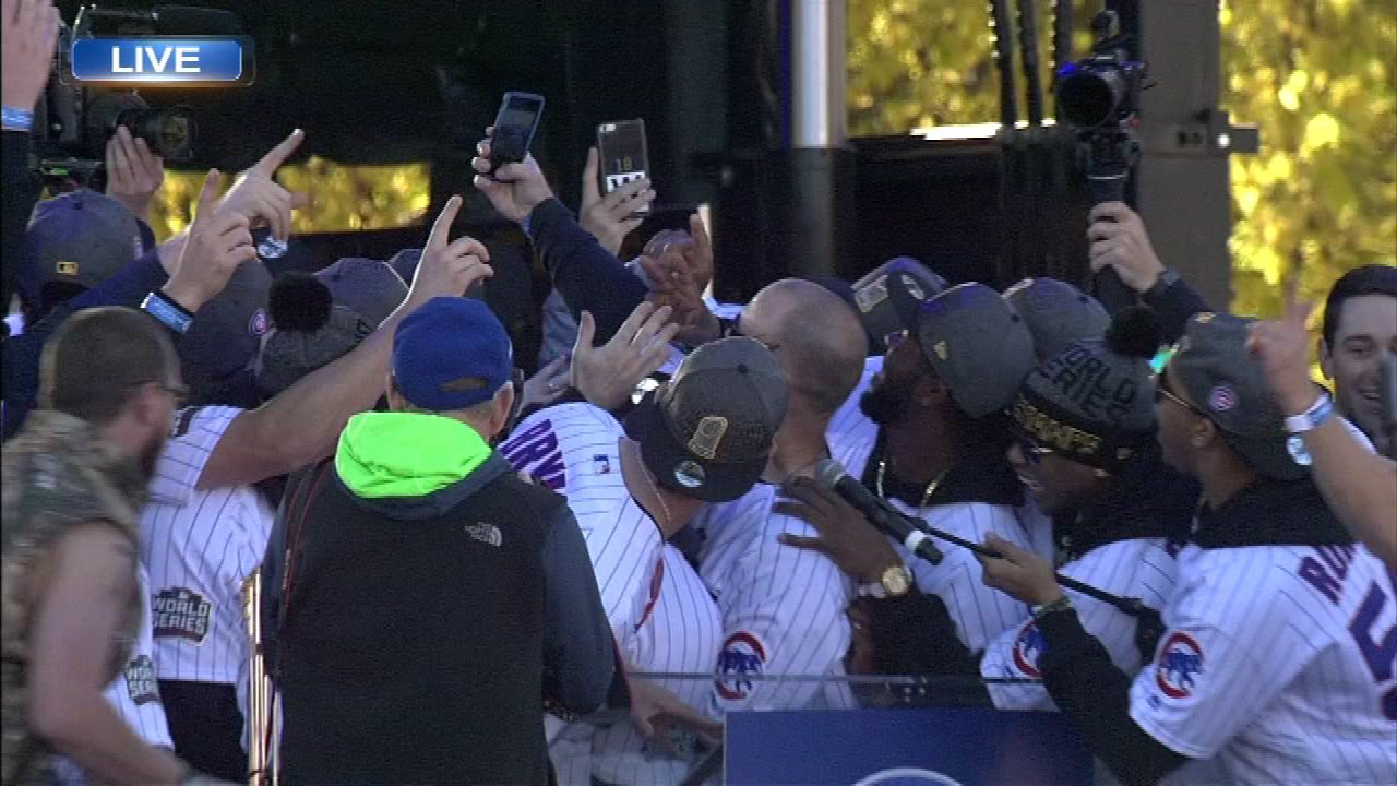 82a4ba8ed56 Chicago Cubs honored by millions at World Series celebration ...