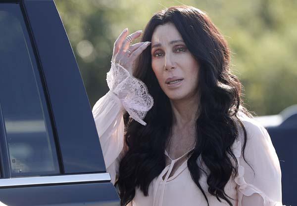 "<div class=""meta image-caption""><div class=""origin-logo origin-image ap""><span>AP</span></div><span class=""caption-text"">Cher (AP Photo/Carolyn Kaster)</span></div>"