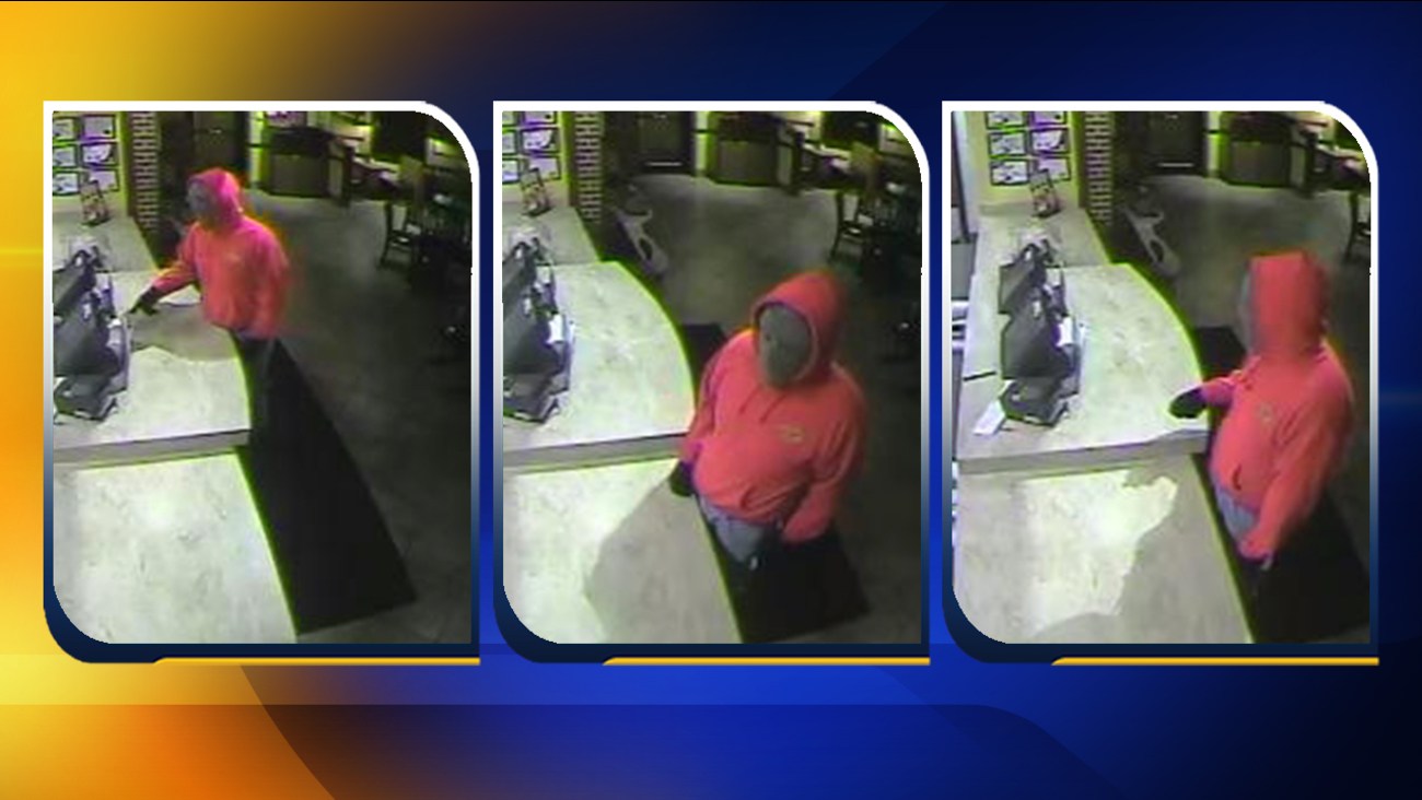 Photos of the robbery suspect at Zaxby's on Cliffdale Road