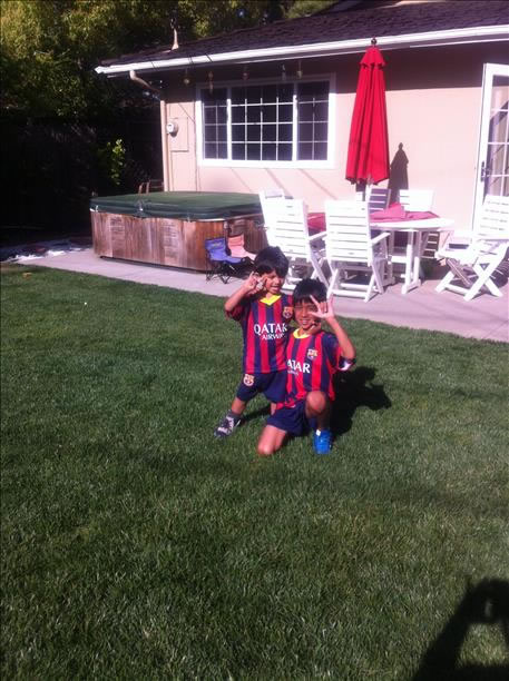 "<div class=""meta image-caption""><div class=""origin-logo origin-image ""><span></span></div><span class=""caption-text"">Aarav and Rio are big Messi fans! Keep sending in your World Cup fan photos! (photo submitted by Hema Mathur via uReport)</span></div>"