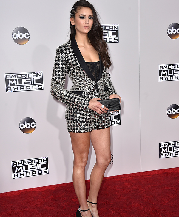 "<div class=""meta image-caption""><div class=""origin-logo origin-image none""><span>none</span></div><span class=""caption-text"">Nina Dobrev arrives at the American Music Awards at the Microsoft Theater on Sunday, Nov. 20, 2016, in Los Angeles. (Jordan Strauss/Invision/AP)</span></div>"