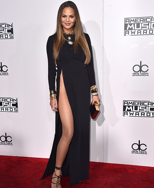 "<div class=""meta image-caption""><div class=""origin-logo origin-image none""><span>none</span></div><span class=""caption-text"">Chrissy Teigen arrives at the American Music Awards at the Microsoft Theater on Sunday, Nov. 20, 2016, in Los Angeles. (Jordan Strauss/Invision/AP)</span></div>"
