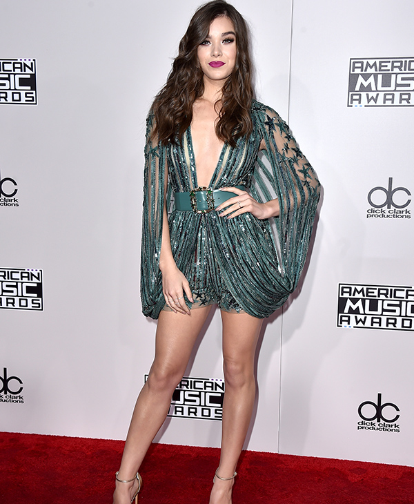 "<div class=""meta image-caption""><div class=""origin-logo origin-image none""><span>none</span></div><span class=""caption-text"">Hailee Steinfeld arrives at the American Music Awards at the Microsoft Theater on Sunday, Nov. 20, 2016, in Los Angeles. (Jordan Strauss/Invision/AP)</span></div>"