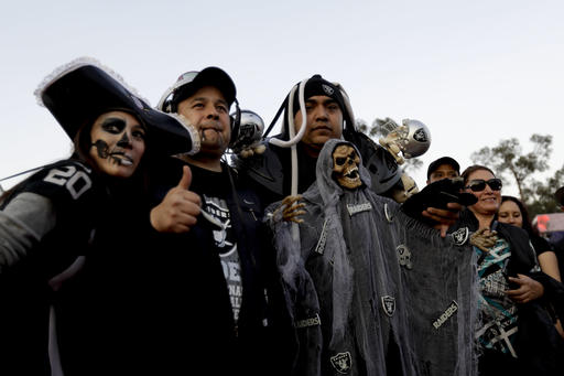 """<div class=""""meta image-caption""""><div class=""""origin-logo origin-image ap""""><span>AP</span></div><span class=""""caption-text"""">Fans arrive at Azteca Stadium before an NFL football game between the Houston Texans and the Oakland Raiders Monday, Nov. 21, 2016, in Mexico City. (AP)</span></div>"""