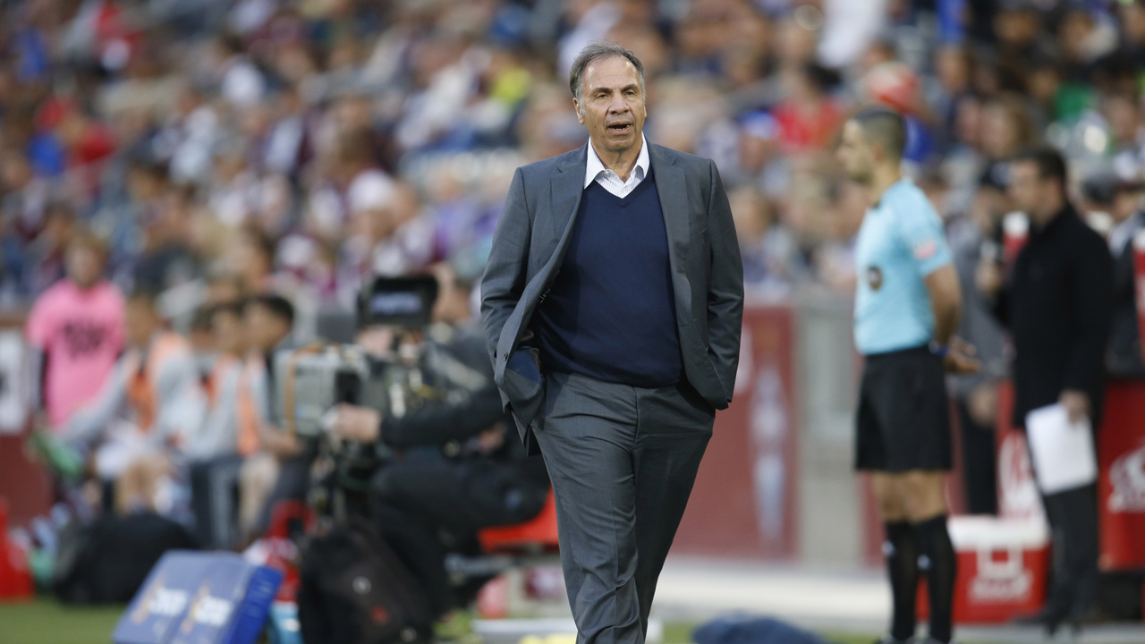 Los Angeles Galaxy head coach Bruce Arena in the first half of a MLS soccer game Saturday, March 12, 2016, in Commerce City, Colo.