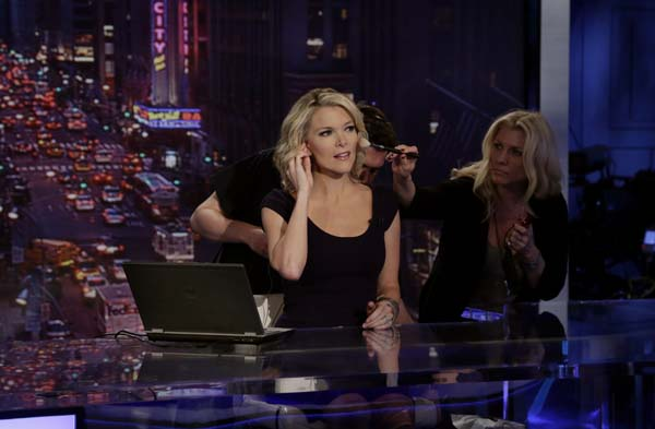 "<div class=""meta image-caption""><div class=""origin-logo origin-image ap""><span>AP</span></div><span class=""caption-text"">Megyn Kelly, host of Fox News Channel's ""The Kelly Files,""  gets a make-up touch-up during rehearsals (AP Photo/Richard Drew)</span></div>"