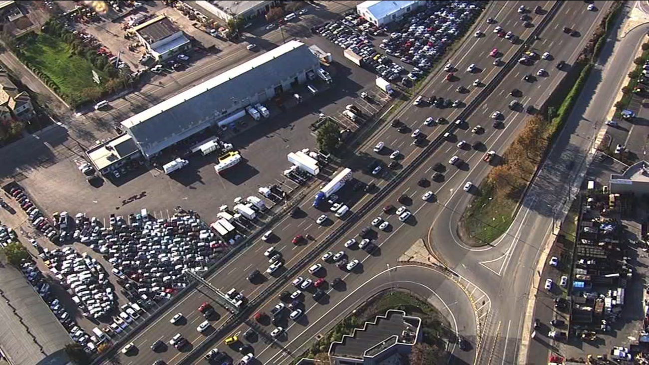 An accident closed two lanes of northbound Highway 101 near the San Jose International Airport on Nov. 23, 2016.