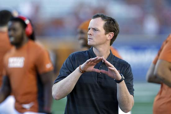 """<div class=""""meta image-caption""""><div class=""""origin-logo origin-image ap""""><span>AP</span></div><span class=""""caption-text"""">Major Applewhite is currently the UH offensive coordinator and was previously the offensive coordinator at UT. ((AP Photo/Eric Gay))</span></div>"""