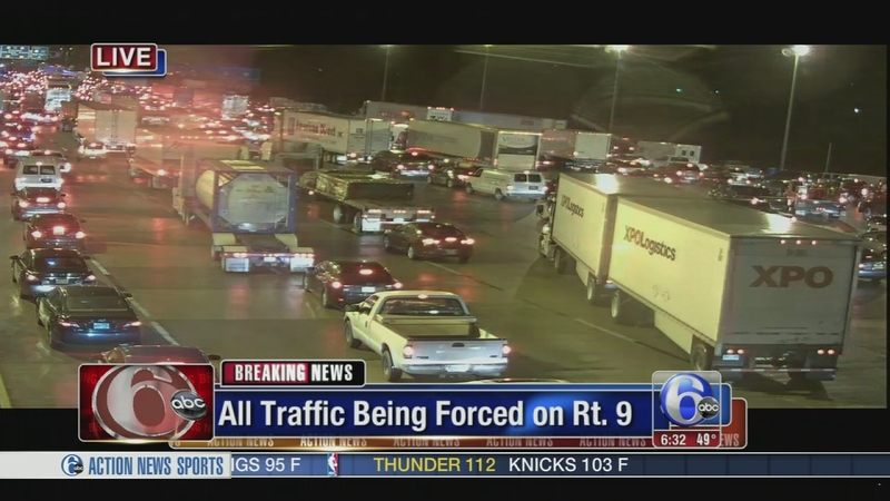 VIDEO: Crash jams traffic on I-295 SB near Rt  13 in Delaware