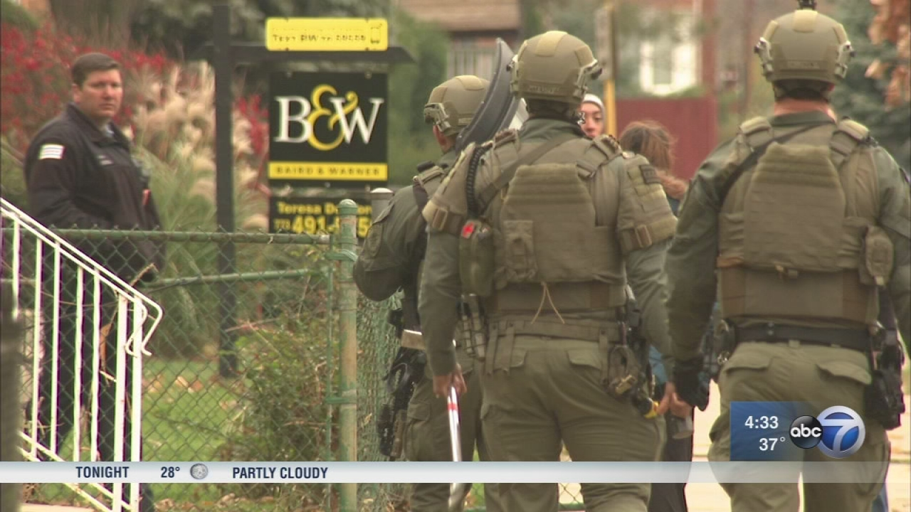 5 in custody after 5-hours police standoff