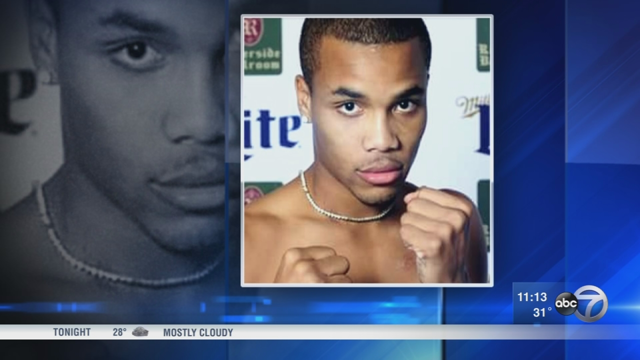 Chicago boxer clings to life after shooting