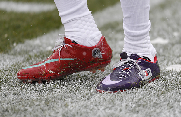 "<div class=""meta image-caption""><div class=""origin-logo origin-image ap""><span>AP</span></div><span class=""caption-text"">Houston Texans' Robert Nelson wears special cleats before an NFL football game against the Green Bay Packers Sunday, Dec. 4, 2016, in Green Bay, Wis. (AP Photo/Matt Ludtke) (AP)</span></div>"