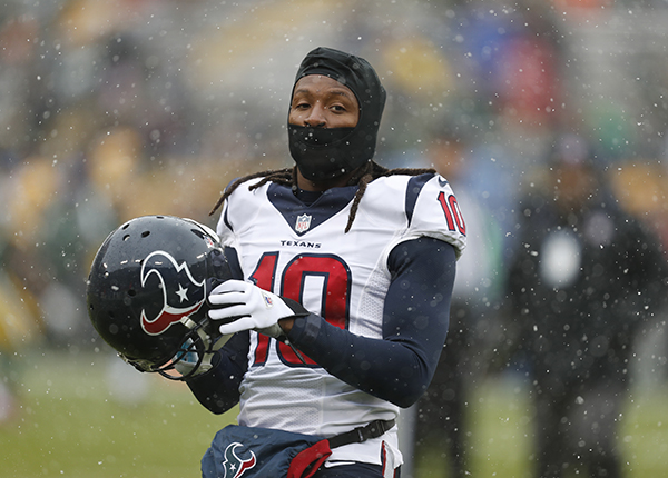 "<div class=""meta image-caption""><div class=""origin-logo origin-image ap""><span>AP</span></div><span class=""caption-text"">Houston Texans' DeAndre Hopkins warms up before an NFL football game against the Green Bay Packers Sunday, Dec. 4, 2016, in Green Bay, Wis. (AP Photo/Matt Ludtke) (AP)</span></div>"