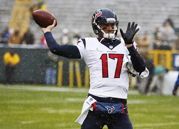 "<div class=""meta image-caption""><div class=""origin-logo origin-image ap""><span>AP</span></div><span class=""caption-text"">Houston Texans' Brock Osweiler warms up before an NFL football game against the Green Bay Packers Sunday, Dec. 4, 2016, in Green Bay, Wis. (AP Photo/Matt Ludtke) (AP)</span></div>"