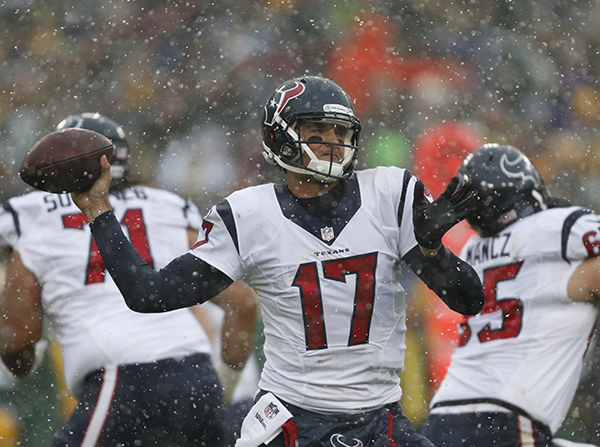 "<div class=""meta image-caption""><div class=""origin-logo origin-image ap""><span>AP</span></div><span class=""caption-text"">Houston Texans' Brock Osweiler throws during the first half of an NFL football game against the Green Bay Packers Sunday, Dec. 4, 2016, in Green Bay, Wis. (AP Photo/Matt Ludtke) (AP)</span></div>"