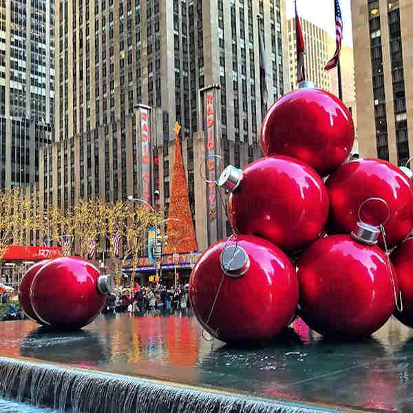 "<div class=""meta image-caption""><div class=""origin-logo origin-image none""><span>none</span></div><span class=""caption-text"">Holiday images sent in by our Eyewitness News viewers! (Courtesy: @newyorkcitypix/Instagram)</span></div>"
