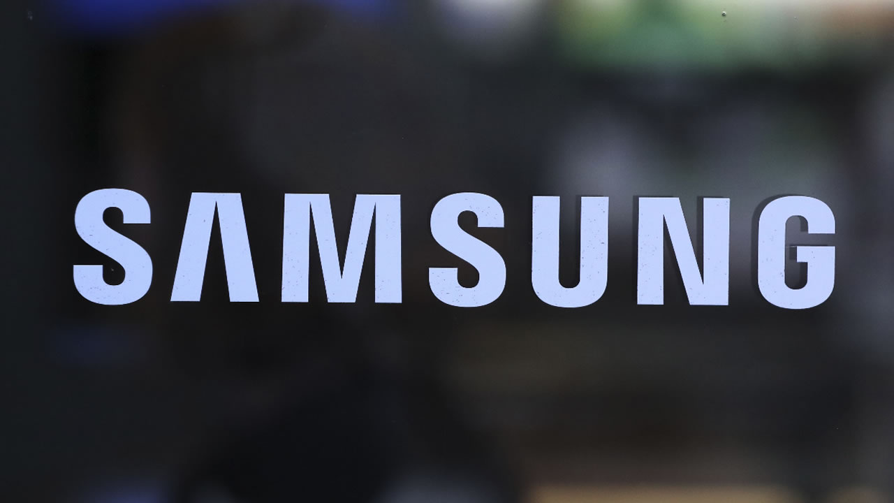The corporate logo of Samsung Electronics Co. is seen in Seoul, South Korea, Friday, Oct. 14, 2016.