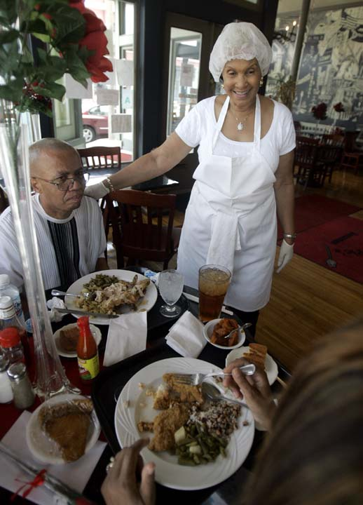 Popular Soul Food Restaurant Sweetie Pies Is Coming To Houston