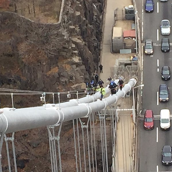 "<div class=""meta image-caption""><div class=""origin-logo origin-image wabc""><span>WABC</span></div><span class=""caption-text"">Photos of Port Authority Police and NYPD officers as they underwent training on the George Washington Bridge on December 8, 2016. (Tim Fleischer)</span></div>"