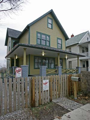 <div class='meta'><div class='origin-logo' data-origin='none'></div><span class='caption-text' data-credit='ASSOCIATED PRESS'>The house in Cleveland's Tremont neighborhood where the 1983 movie &#34;A Christmas Story&#34; was filmed is shown Monday, Dec. 15, 2008. (AP Photo)</span></div>