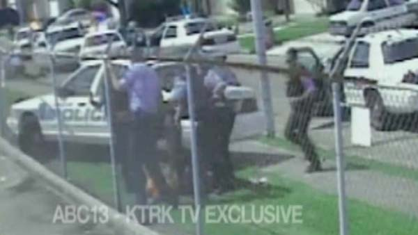 """<div class=""""meta image-caption""""><div class=""""origin-logo origin-image ktrk""""><span>KTRK</span></div><span class=""""caption-text"""">A stillframe of video showing Chad Holley and police officers</span></div>"""