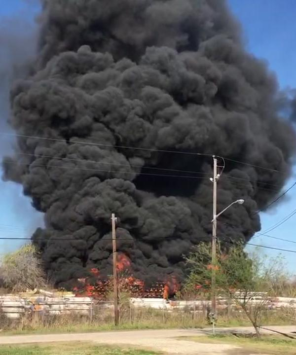 <div class='meta'><div class='origin-logo' data-origin='KTRK'></div><span class='caption-text' data-credit=''>Massive fire in Fort Bend County</span></div>