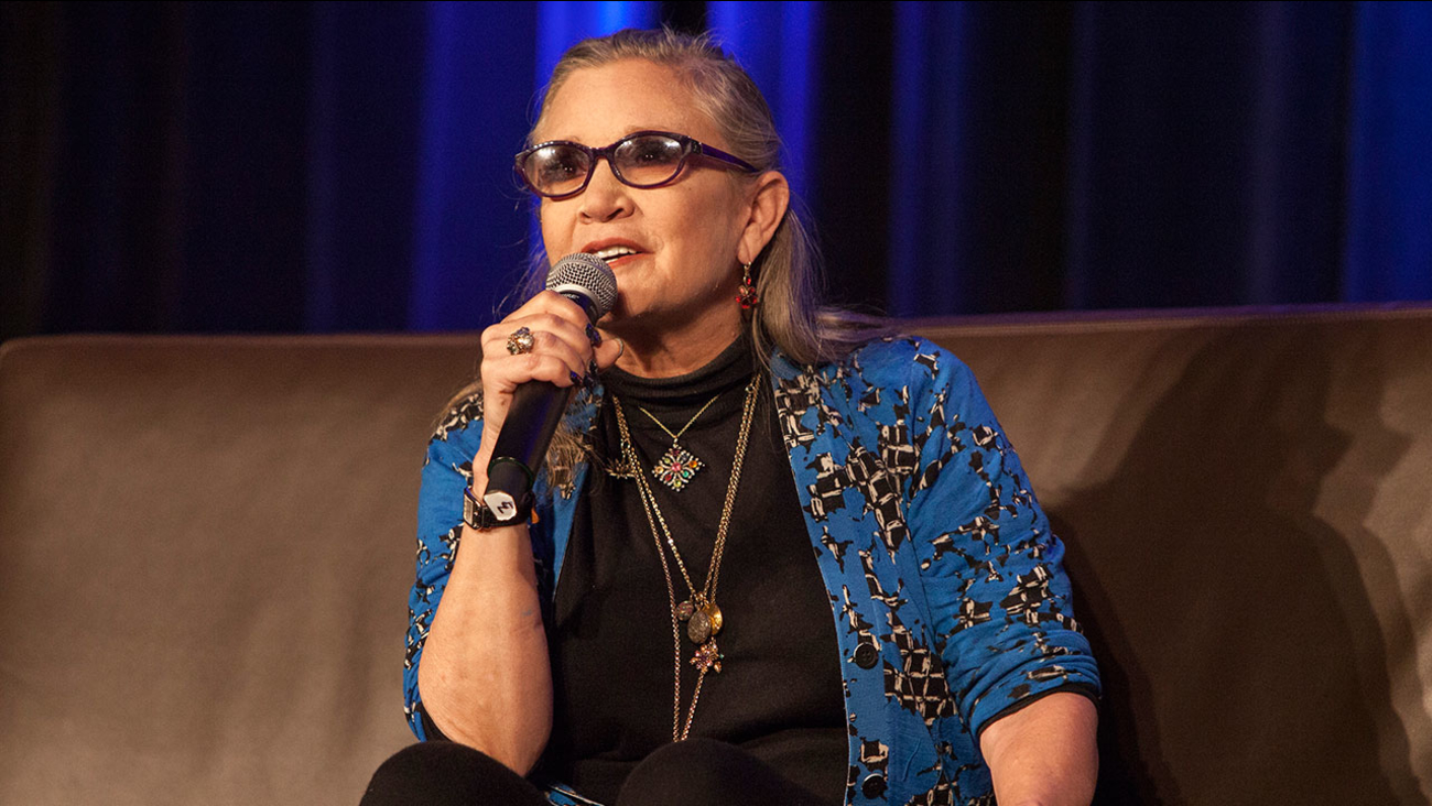 Carrie Fisher speaks during the Wizard World Chicago Comic-Con on Aug. 21, 2016.