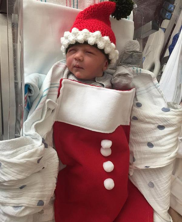 "<div class=""meta image-caption""><div class=""origin-logo origin-image none""><span>none</span></div><span class=""caption-text"">They may be tiny, but the babies spending Christmas at Memorial Hermann campuses across Houston are full of Christmas cheer. (Memorial Hermann Health System)</span></div>"